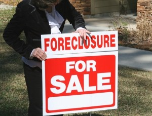 foreclosure rates fall